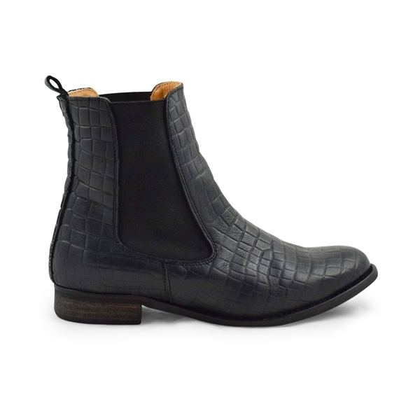 Amust / mia tall chelsea boots / black snake