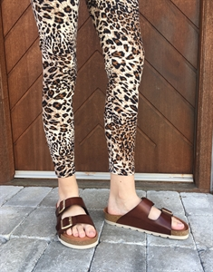 THREE M LEO LEGGINGS
